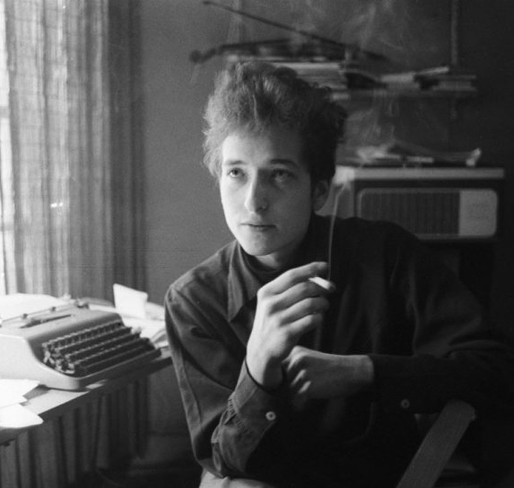 20-Year-Old Bob Dylan Shows Off His Cool in Photography Show