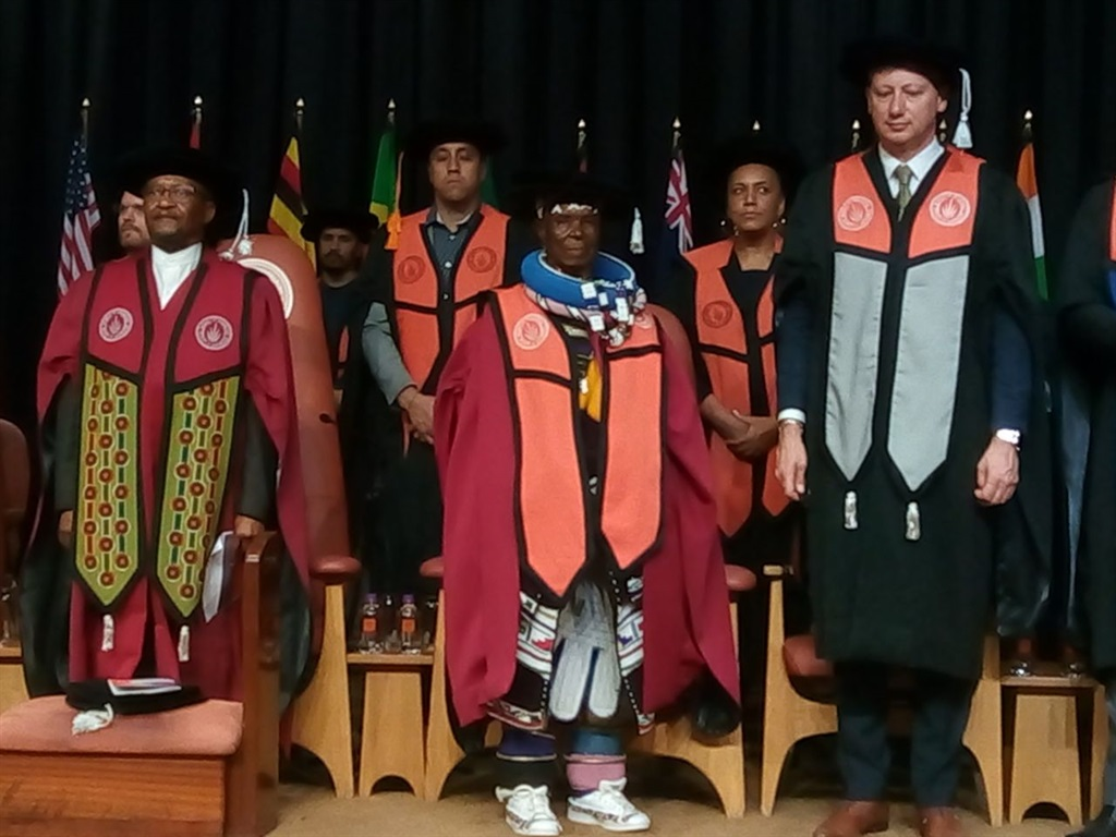 It's Dr Esther Mahlangu! UJ honours renowned SA artist with honorary doctorate